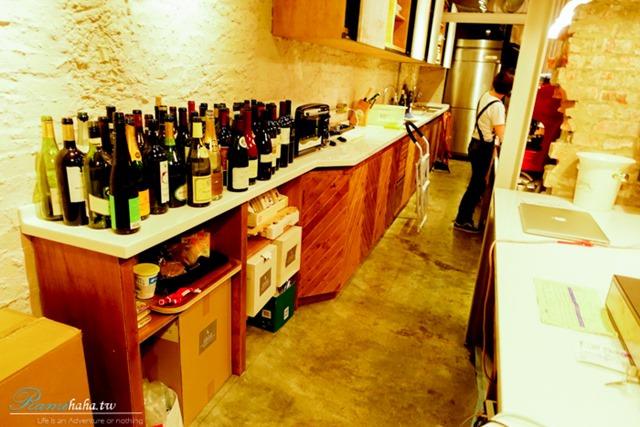櫃檯的酒瓶-Wine Cafe-大安站-沒有菜單-隨機推薦