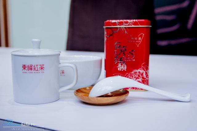 南投日月潭-必玩景點-亮點茶莊-東峰紅茶-評茶師體驗