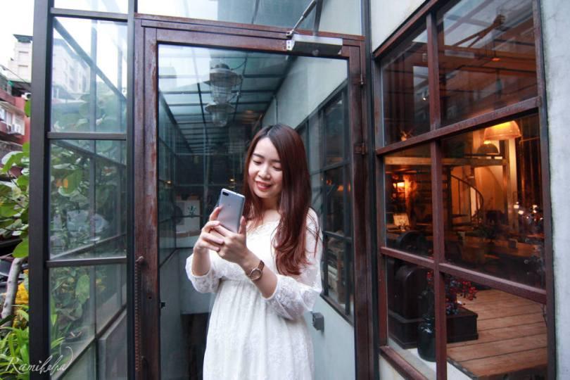 ASUS-zenFone4-M1-mobile-1600pixel-前鏡頭-1600萬畫素-電力怪獸-行動電源-超大電量