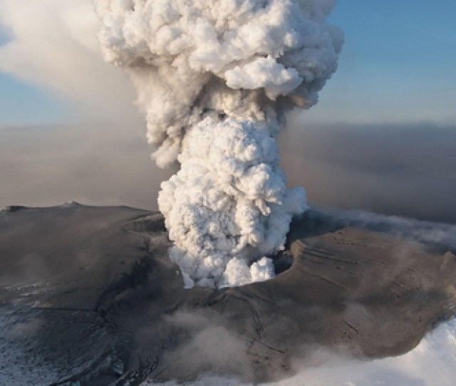 Eyjafjallajokull April Eruption Caused Disruption To Air Travel