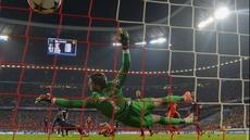Mario Mandzukic scores for Bayern Munich