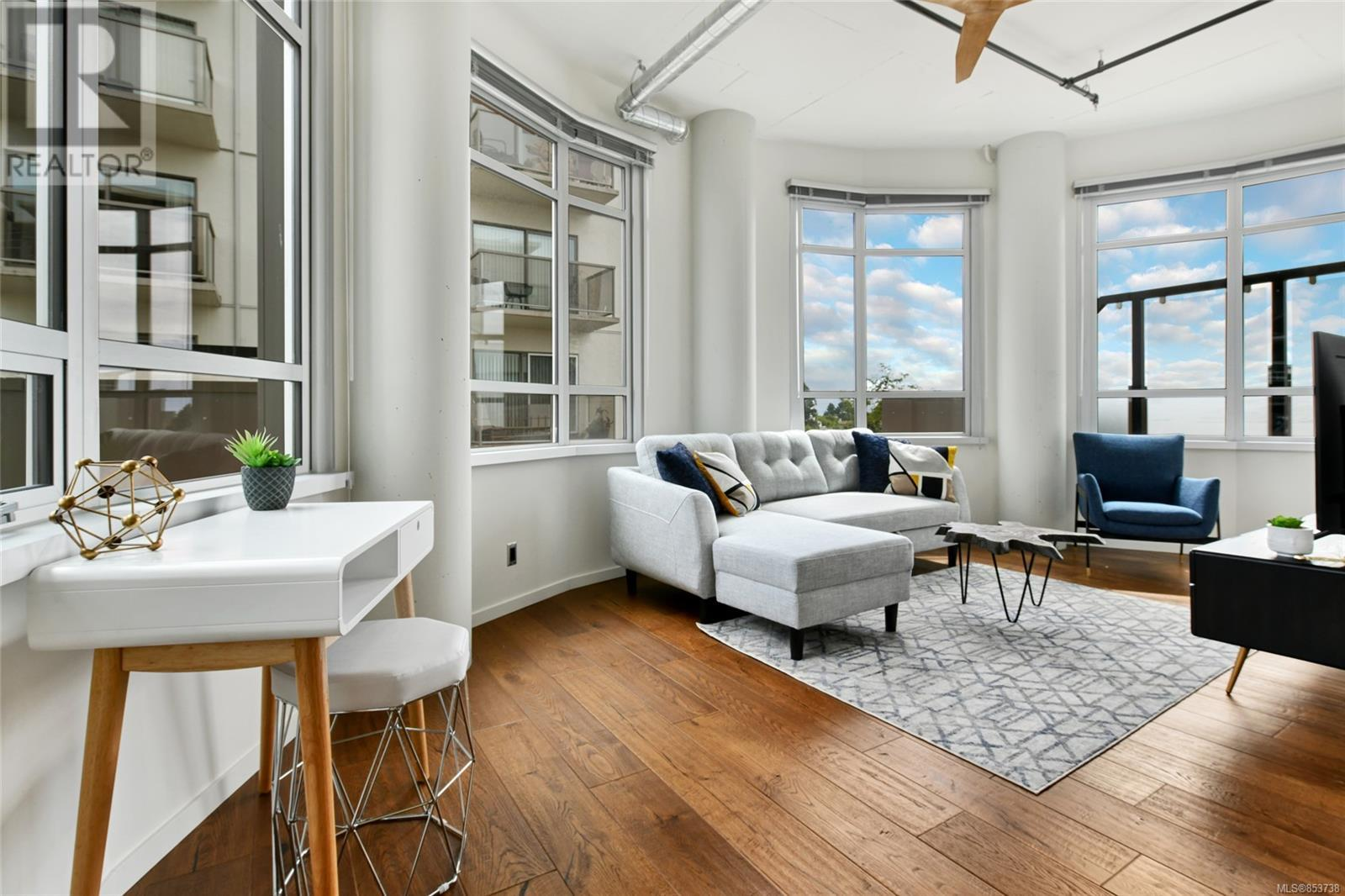 701 1029 View St 701 | Apartment 出售 | Realmaster.com