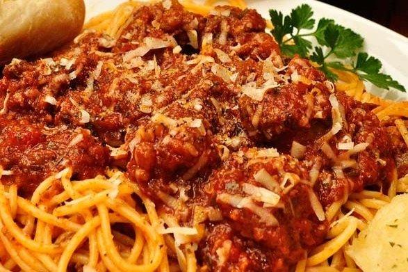Espaguetis con carne molida  Receta