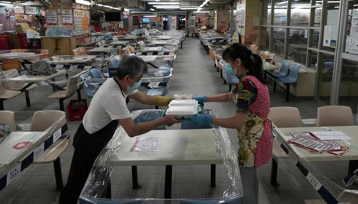 Hong Kong Economy Contracts 9 In Latest Quarter