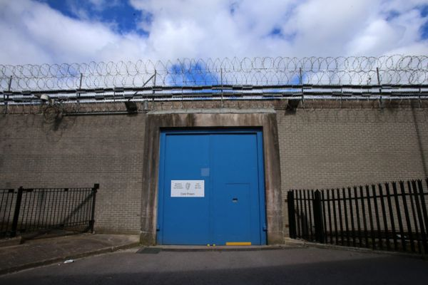 , State failing to address prisoner's mental health issues, according to new report, Is it depression or mental disorder?