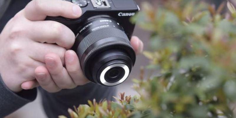 首創加入LED燈  Canon EF-M 28mm f/3.5 Macro IS STM 輕巧超微距鏡頭