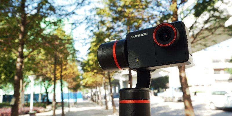 評測》具備4K錄影 高穩定度 Feiyu Tech 飛宇科技 - 魅眼 Summon 開箱 手持雲台相機 小巧方便、一體成型