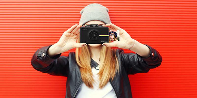 「新機資訊」首款觸碰螢幕拍立得 Polaroid  SNAP TOUCH|簡單|輕巧|多種拼貼玩法