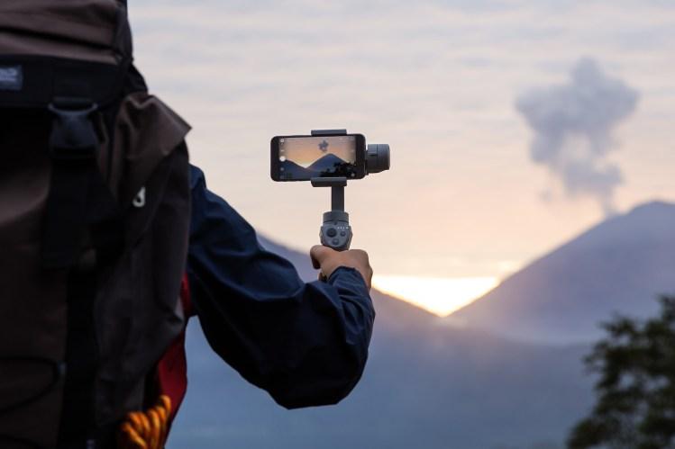新品資訊》直播主的青睞 DJI OSMO Mobile 2 最平價手持穩定器
