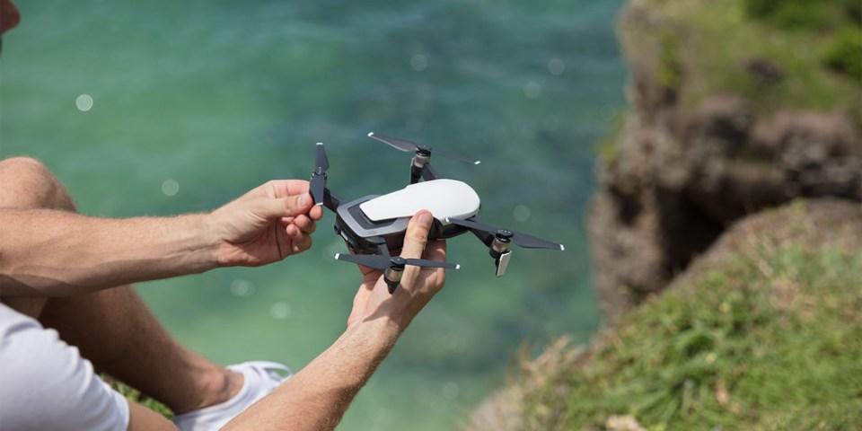 DJI 發表 Mavic Air 史上最輕巧折疊空拍機|只為與你隨行,展開新視界