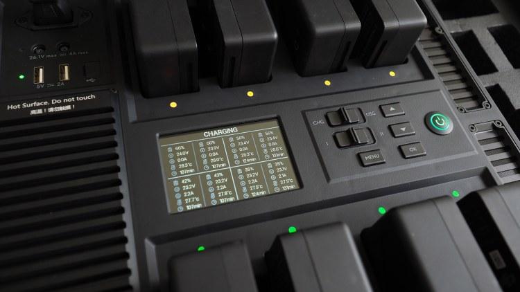 評測》充電好幫手 DJI 電池管理站 BT50專用 – 為影視工作者而設