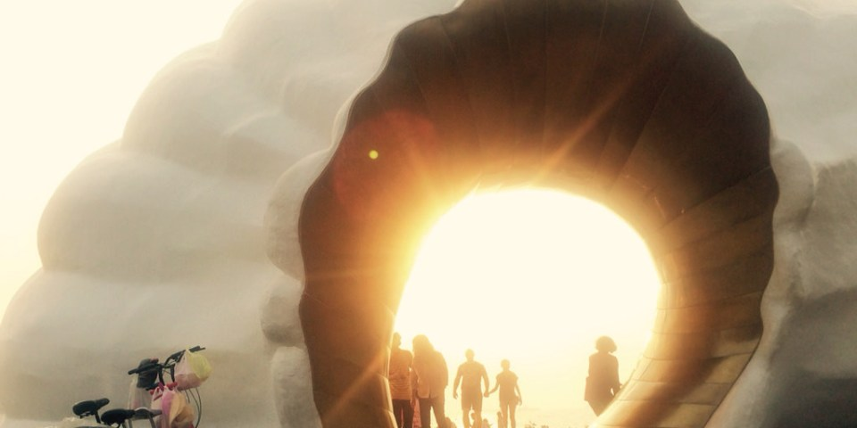 【遊記*高雄】來旗津聽日落時的海潮之聲x金光閃閃的巨大貝殼