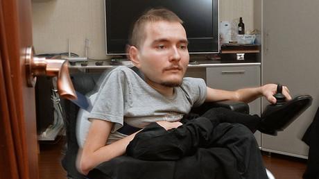 Head transplant doctor asks 'billionaires like Zuckerberg' to help give Russian man new body