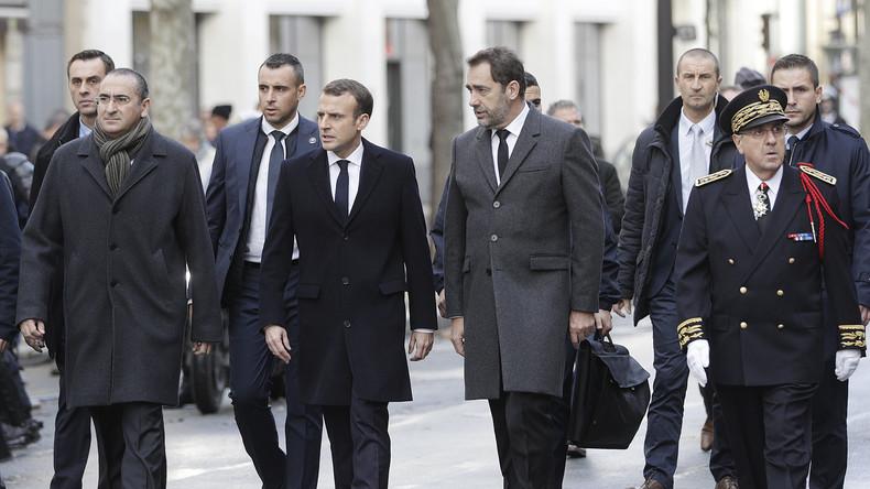 «Macron démission!»: le chef de l'Etat chahuté par des Gilets jaunes à Paris (VIDEOS)
