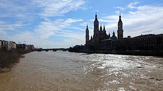 Ver vídeo  'La crecida del río Ebro alcanza la Ribera Baja aunque no es necesario hacer nuevos desalojos'