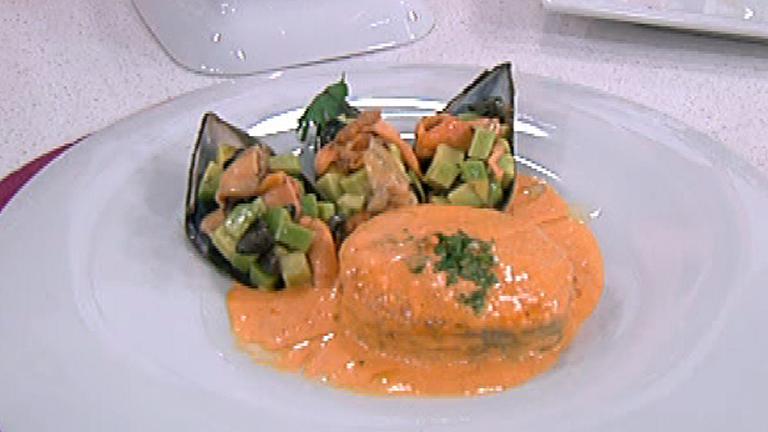 Pescadilla en salsa con mejillones rellenos 09112011