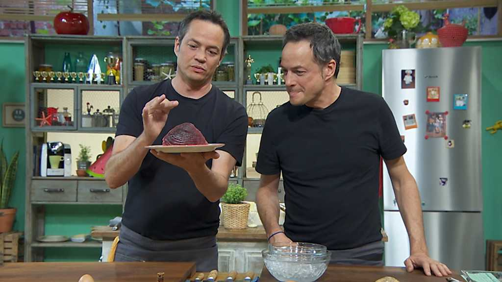 Torres en la cocina  Tartar de atn y pasta con cigalas