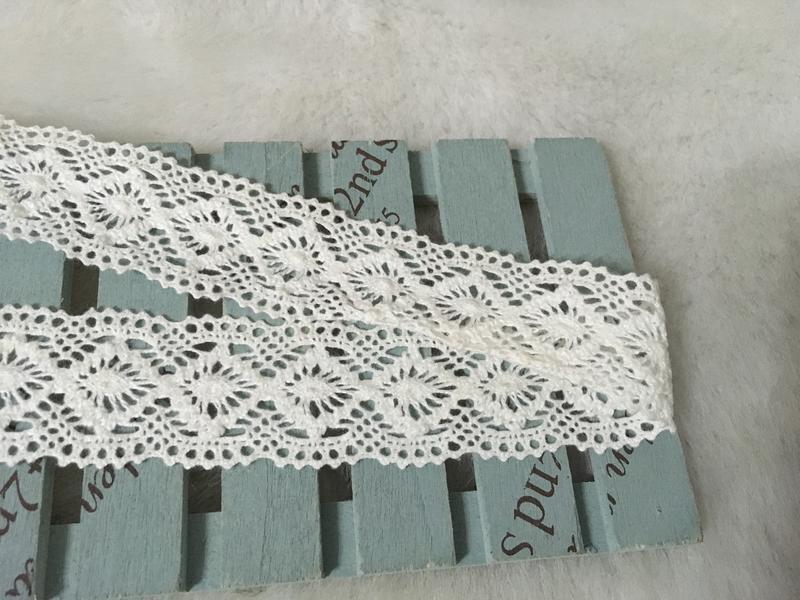 便宜地帶~SA60米白色3公分寬棉線蕾絲1捲280尺賣350元出清~NG~一點泛黃~自己處理~賠售~ - 露天拍賣