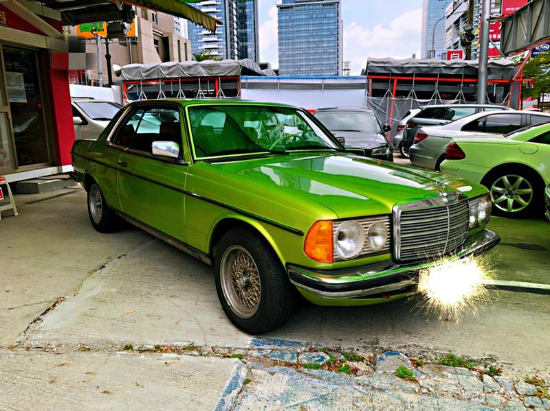 超稀有Benz C123 280CE重金打造整理雙門經典古董收藏車 - 露天拍賣