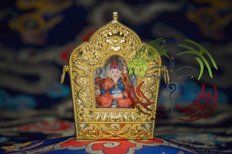 金法 如法裝臟17種千百年極稀有難得大加持聖物法寶 彩繪莊嚴 蓮師 金佛龕 - 露天拍賣