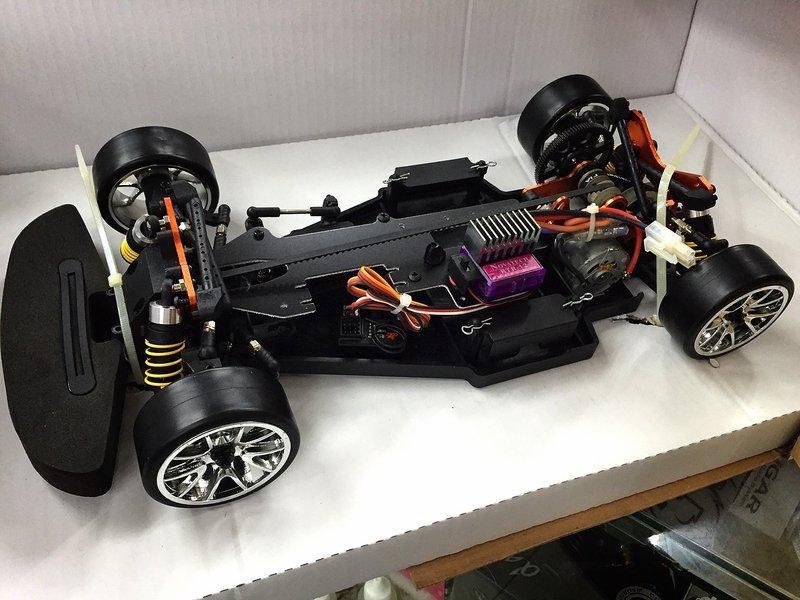 偉立模型 多項車殼內選 COLT 幼盈 臺灣製 1/10 遙控甩尾車 電動甩位車 競速車 RTR版 2.4G遙控器 - 露天拍賣
