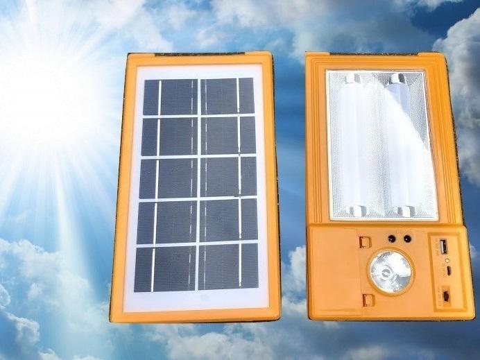 太陽能 充電板,可充2顆18650電池。太陽能板 充18650 露營燈 照明燈 充電器 - 露天拍賣