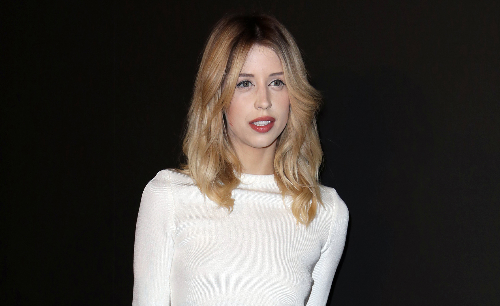 Daughter of famed singer Bob Geldof, Peaches, 25, died of heroin overdose.