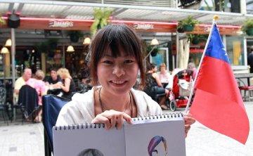 [澳洲] 布里斯本遇見正妹背包客Belle & 派上有笑臉的 pie face(影片)