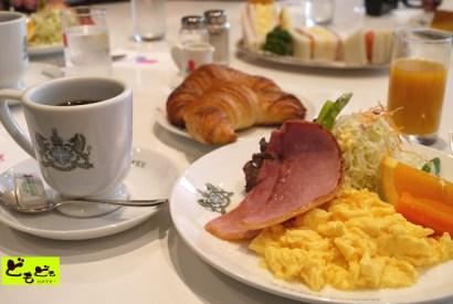 [京都]慢遊京都 – 三条通上的美庭園早餐「INODA咖啡」