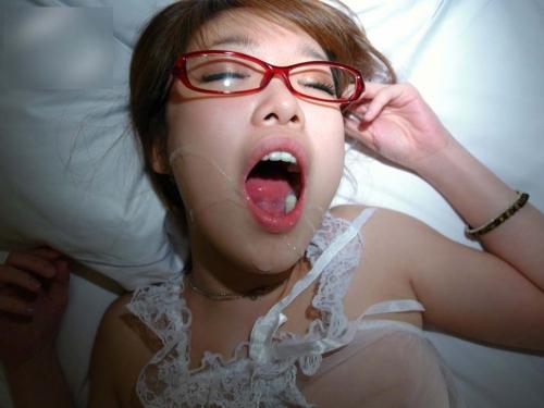【三次】顔やお口に射精されちゃった女の子のエロ画像part2・8枚目