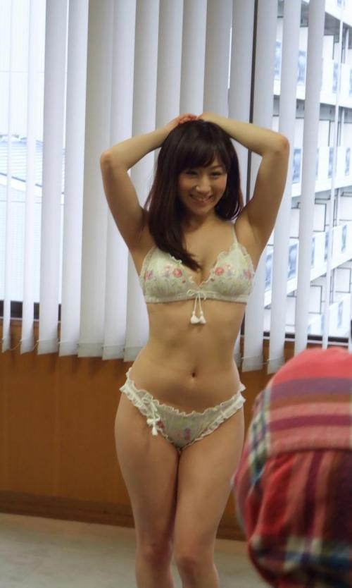 【三次】誘っているかのような下着姿の女の子のエロ画像part2・5枚目