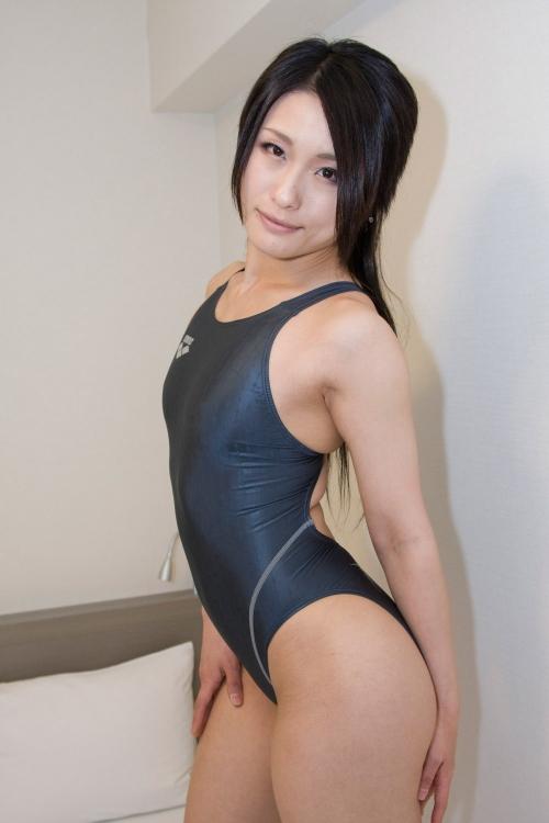 【三次】競泳水着姿のお姉さんのエロ画像part2・9枚目