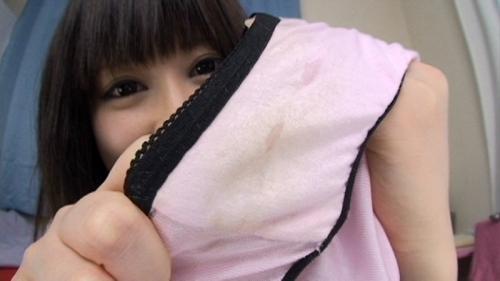 【三次】脱いだパンツを見せている女の子のエロ画像・7枚目