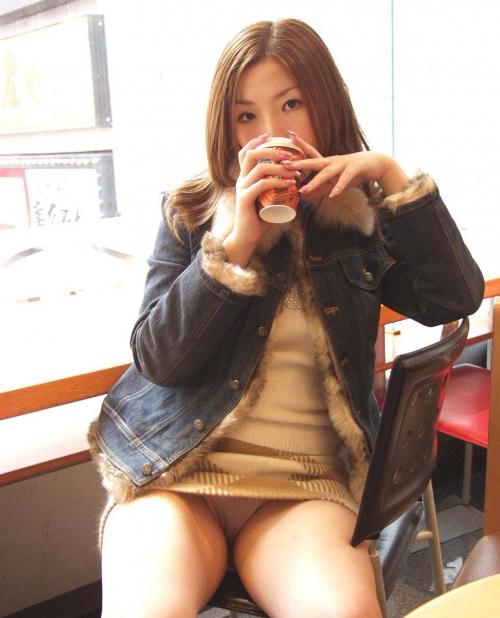 【三次】パンツ見えてる女の子のエロ画像part2・12枚目