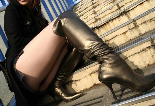 【三次】ロングブーツ履いてる女の子のエロ画像・6枚目
