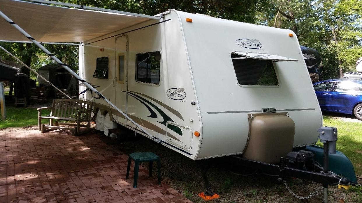 R Vision Trail Cruiser 26qbs rvs for sale in Arlington Heights. Illinois