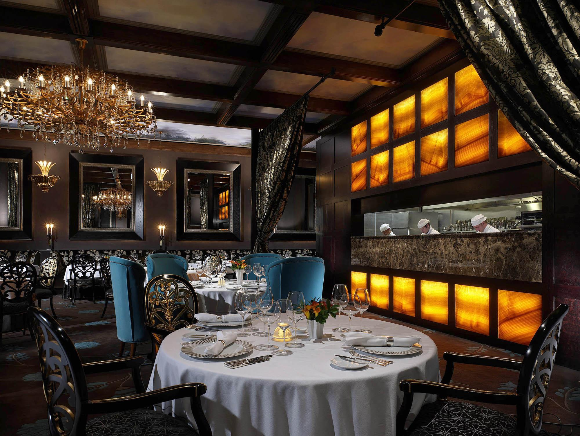 Who Says No Highend Dining On Mondays?  Scoop News