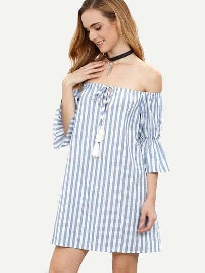 schulterfreies Kleid mit Streifen Quaste - blau