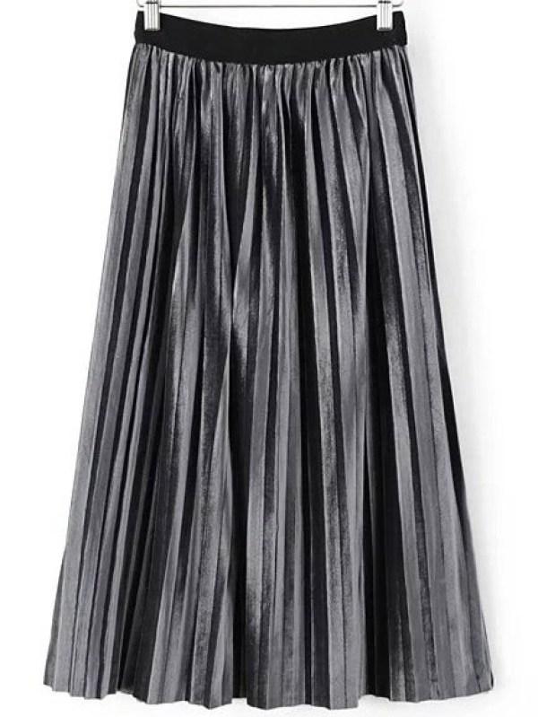 Prendas Terciopelo Tendencia 2017 look outfit falda plisada plateada