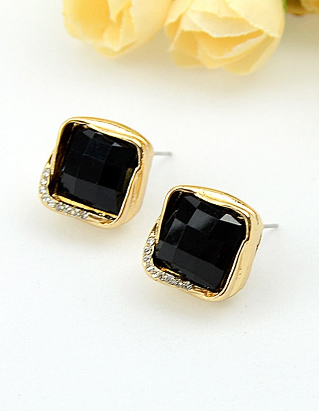 Black Gemstone Gold Square Stud Earrings