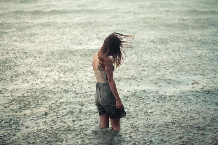 Alone Crying Girl Hd Wallpaper Elizabeth Gadd Photography Shockblast