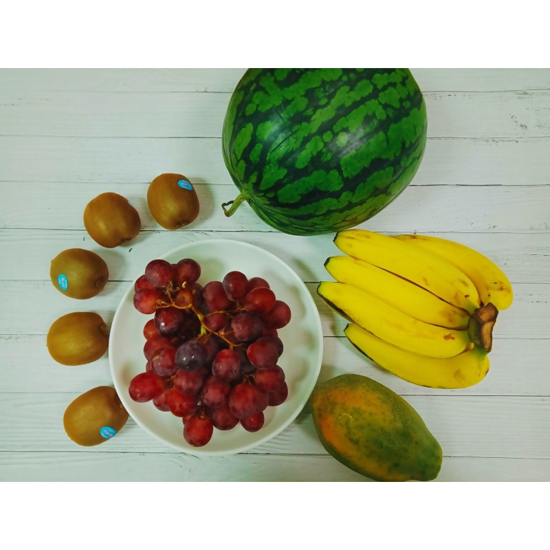 5水果拜拜組合B (進口紅葡萄+小玉西瓜+綠奇異果+香蕉+木瓜) from 優沛果UPEIGO at SHOP.COM TW