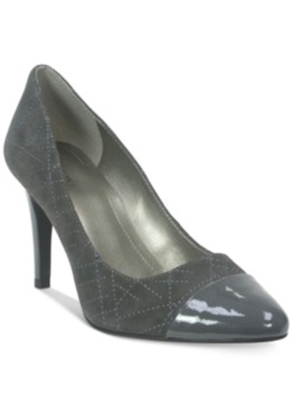 Tahari Ryanna Pumps Women' Shoes