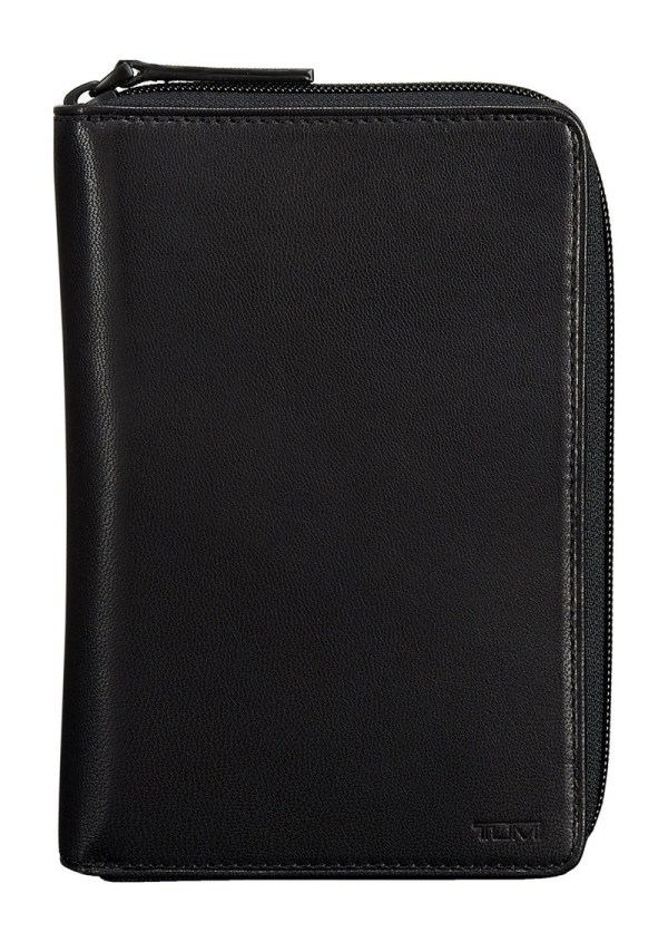Tumi 'chambers' Leather Zip Passport Case Misc