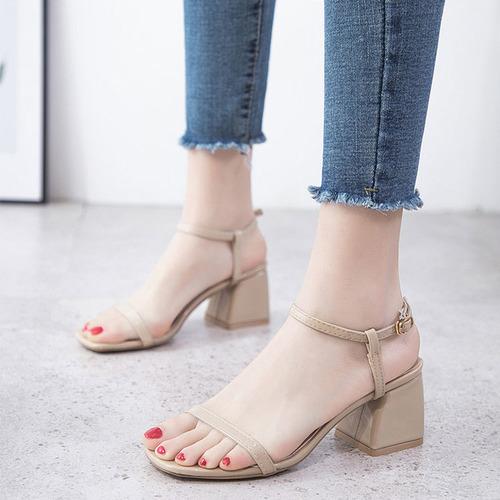 2020新款夏季韓版百搭一字扣帶粗高跟涼鞋
