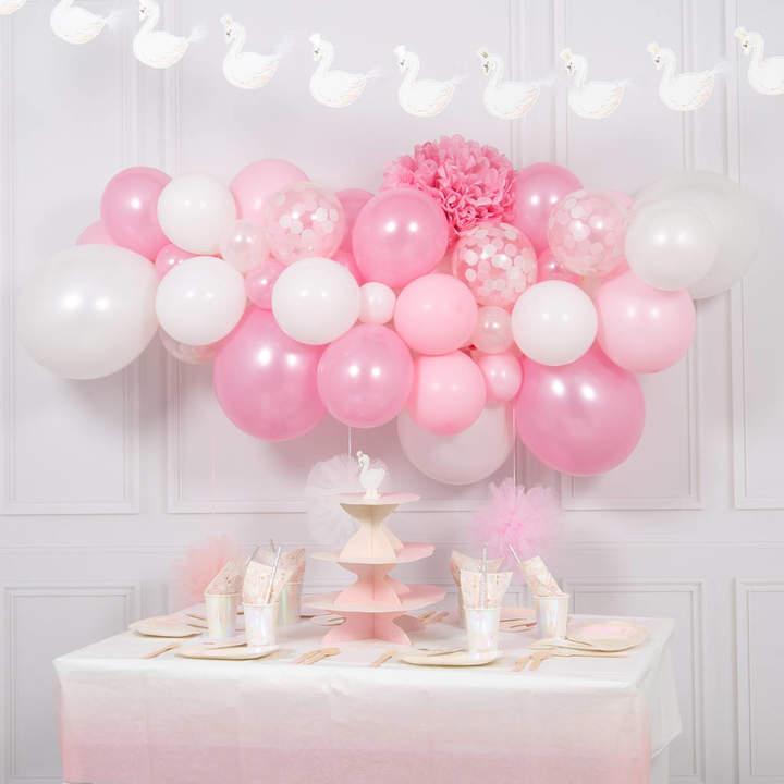 Bubblegum Balloons Swan Balloon Cloud Kit