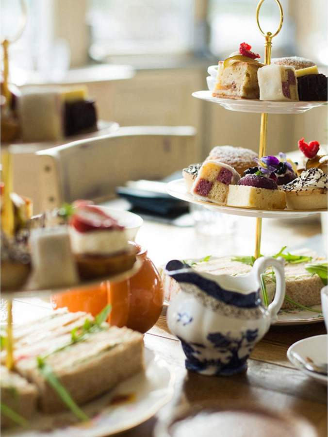 Virgin Experience Days One Night Cheshire Break With Prosecco Afternoon Tea For Two At The Vicarage Freehouse & Rooms In Crewe, Cheshire