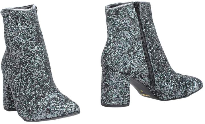 DIVINE FOLLIE Ankle boots