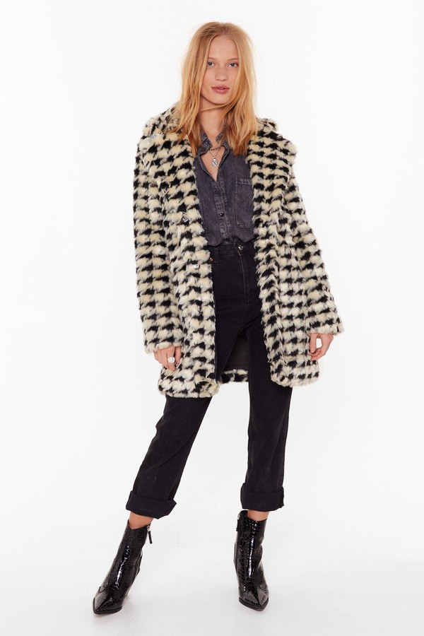 Nasty Gal Womens Ain't Nothin' But a Houndstooth Faux Fur Coat - white - L