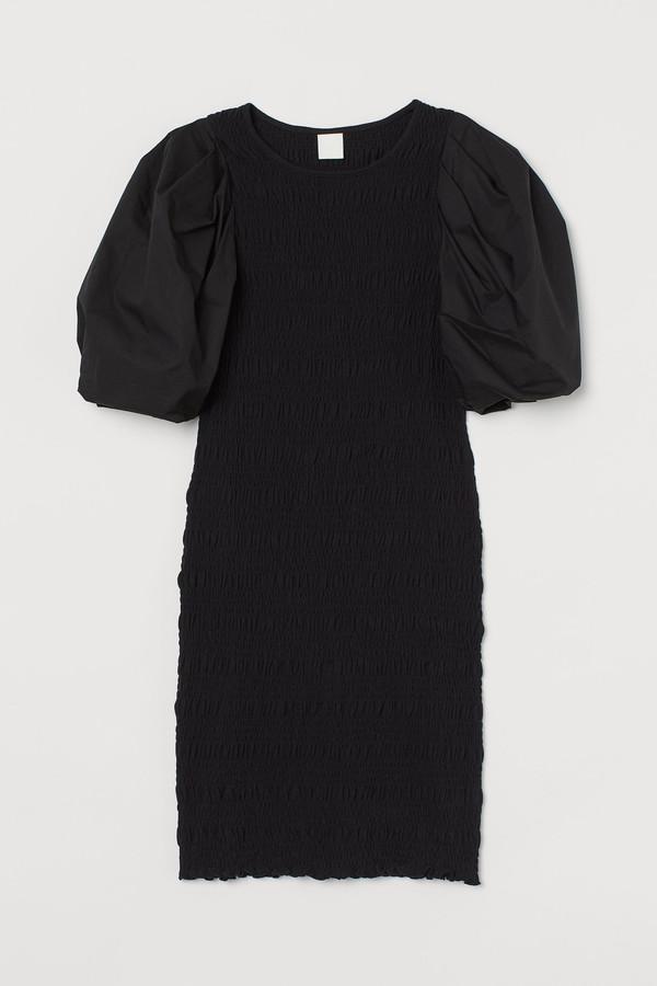 Balloon-sleeved dress